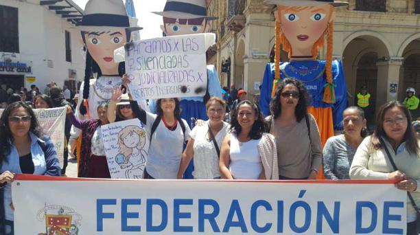 La movilización pidió a los candidatos presidenciales que están en campaña que incluyan los derechos de la mujer en sus agendas