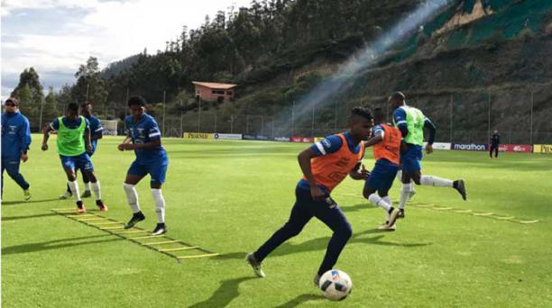 Durante  el microciclo de la Sub 20, que se realizó en Quito, la semana pasada. Foto: cortesía FEF