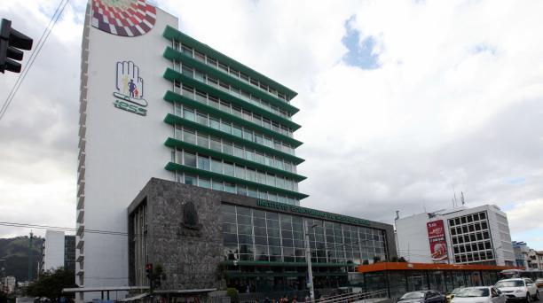 Edificio de la Caja del Seguro, IESS, en Quito. Foto: Julio Estrella  / El Comercio