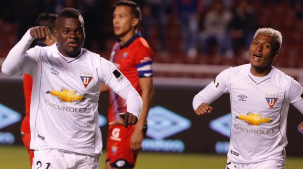 Jonathan Betancourt marcó el primer tanto del partido en Liga de Quito y El Nacional, en el estadio Casa Blanca, este sábado 22 de abril. Foto: Patricio Terán/EL COMERCIO