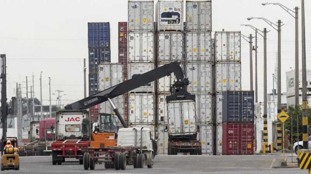 Ayer, 1 de junio de 2017, inició la desaduanización de productos sin sobretasas en el Puerto de Guayaquil. Foto: Enrique Pesantes/EL COMERCIO