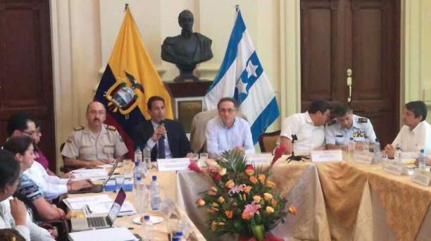 El ministro de Defensa Miguel Carvajal dijo que los controles de armas de los militares serán sorpresivos en Guayaquil. Foto: Stives Reyes/ EL COMERCIO