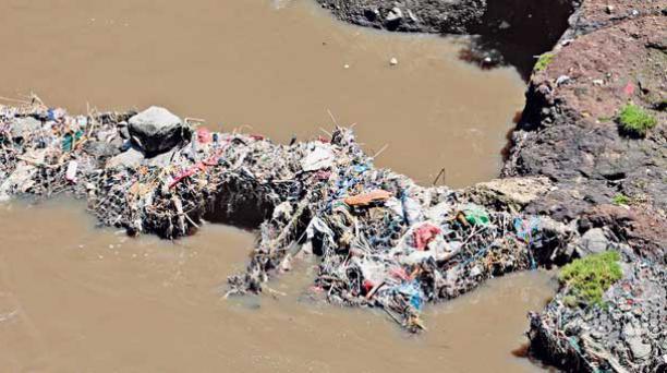 El 79% de los desechos plásticos acaba en los ambientes naturales.