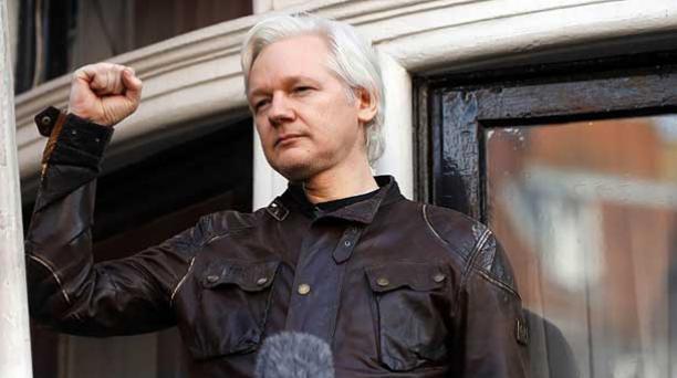 El diario El País de España reveló que Julián Assange mantuvo una reunión de cuatro horas con un promotor de la independencia de Cataluña en la embajada de Ecuador en Londres. Foto: AFP.