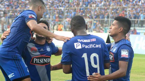 Los jugadores de Emelec son los punteros del campeonato, el equipo eléctrico podrían jugar una final ante Delfín SC