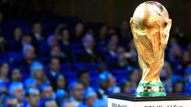Trofeo del Mundial. El anfitrión, Rusia, y Arabia Saudita jugarán el partido inaugural, el 14 de junio, en Moscú