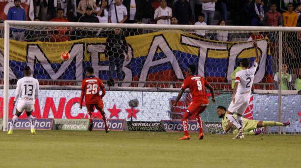 Daniel Viteri fue uno de los arquerdos titulares con Liga de Quito durante el 2017. Los albos buscarán un nuevo guardameta para la siguiente temporada