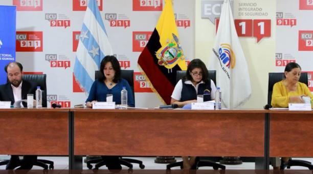 Los consejeros del organismo sesionaron en Guayaquil la tarde de este martes, 2 de enero del 2017. Foto: Twitter Ana Marcela Paredes 