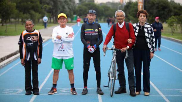 La actividad física y otros buenos hábitos ayudaron a estos deportistas a mantenerse saludables en su 'cuarta juventud'. Foto: Julio Estrella/ EL COMERCIO.