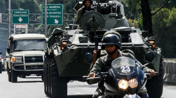 Miembros del Ejército y de la Policía de Venezuela realizaron un operativo para detener al expolicía Óscar Pérez. Foto: AFP