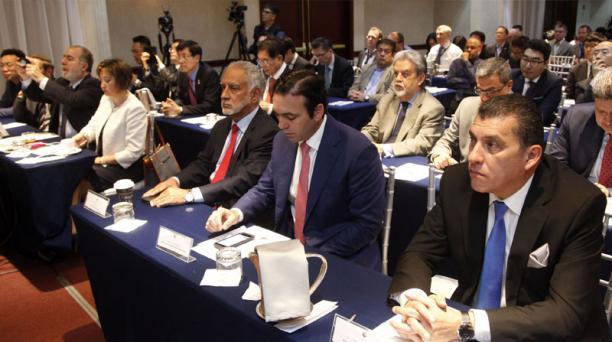 Los representantes de las firmas interesadas en este proyecto mantuvieron, ayer, reuniones en un Hotel de Quito.