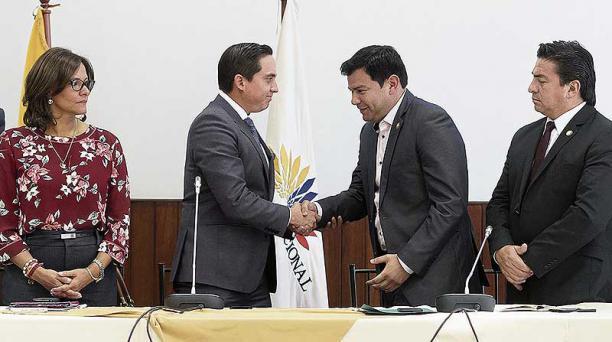 La comisión ocasional, conformada el jueves, nombró como presidente y vicepresidente a los oficialistas Daniel Mendoza y César Litardo (centro). Foto: Flickr Asamblea