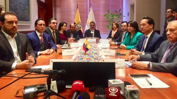 Reunión de jefes de bloque para tratar la designación de los miembros del Consejo de Participación Ciudadana transitorio. Foto: Diego Pallero / EL COMERCIO