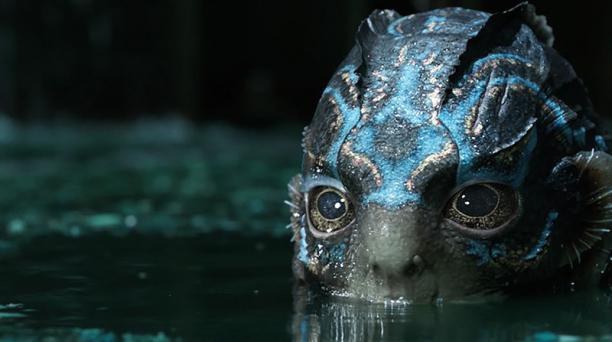 El filme de Guillermo del Toro llegará a los Premios Oscar con 13 nominaciones. Foto: outnow.ch