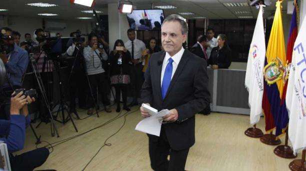 El Consejo de transición destituyó a Carlos Ochoa por una notificación emitida por la Contraloría por irregularidades en su cargo de director de noticias de Gamavisión. Foto: Galo Paguay / EL COMERCIO