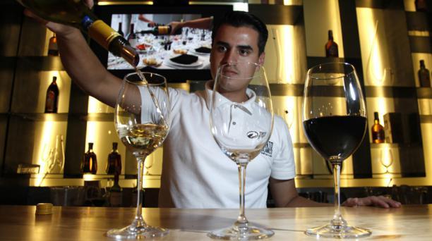 El vino y el whisky ganan adeptos a través de talleres y catas que promueven  entre el público una cultura de bebidas más consciente. Foto: Vicente Costales / EL COMERCIO
