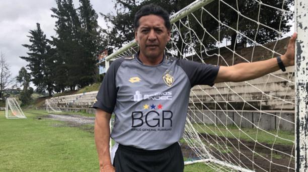 Sixto Vizuete dirigió a la Selección entre el 2007 y 2010. Estuvo al frente de D. Quito y El Nacional, club en el que hoy dirige las formativas. Foto: Álex Puruncajas/ EL COMERCIO.