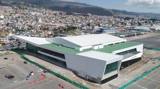 Los trabajos de la construcción del Centro de Convenciones Metropolitano avanzan. Según el Municipio, está previsto que sea inaugurado a finales de este 2018. Foto: Vicente Costales/ EL COMERCIO.