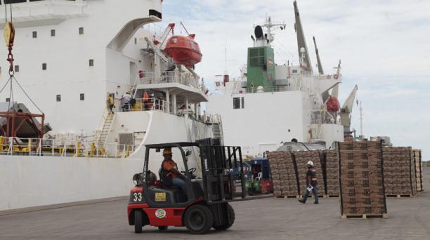 La CAN ratifica su decisión de calificar como impuesto al cobro de USD 10 centavos sobre las importaciones que llegan a Ecuador. Foto: Archivo/ EL COMERCIO