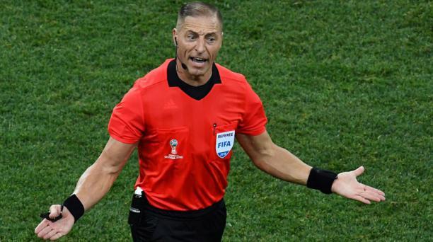 El arbitro argentino Néstor Pitana será quien dirigirá el primer partido de las semifinales del Mundial Rusia 2018, Pitana fue quien participó en el primer cotejo de la Copa del Mundo. Foto: AFP.