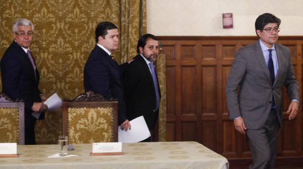 Desde la izquierda: Eduardo Jurado, Juan Sebastián Roldán, Paúl Granda y el canciller José Valencia
