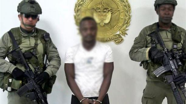 Gustavo Angulo Arboleda, alias 'Cherry', fue detenido en Nariño, el pasado 12 de julio. Foto: Twitter de las Fuerzas militares de Colombia