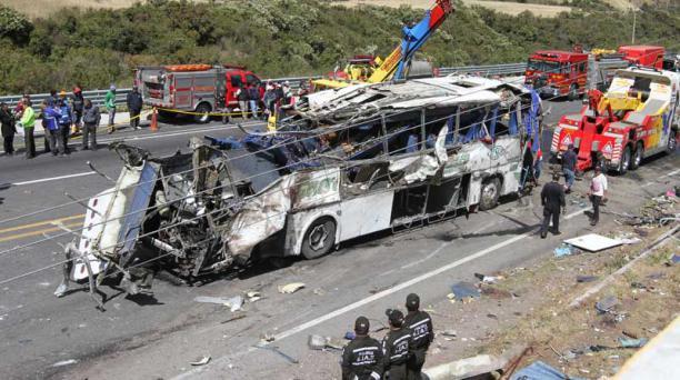 El accidente ocurrió en el kilómetro 10 de la vía Pifo - Papallacta el pasado 14 de agosto del 2018. Foto: Eduardo Terán / EL COMERCIO