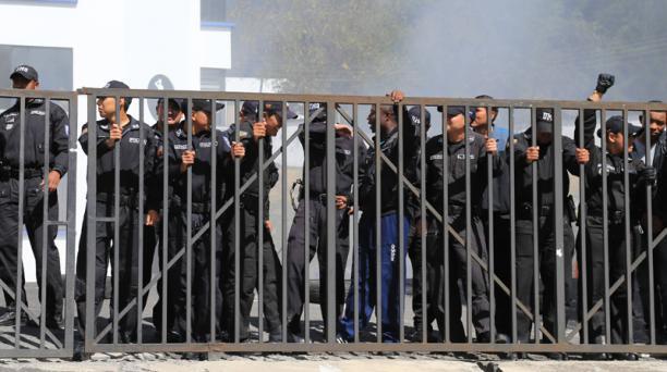 Reconstrucción de los hechos ocurridos el 30 de septiembre del 2010 (30-S). Foto: Alfredo Lagla / Archivo EL COMERCIO