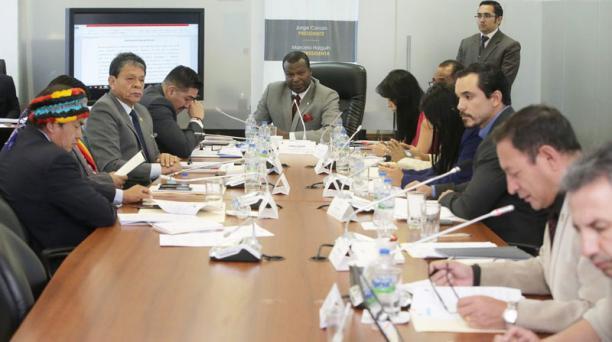 La Comisión de Derechos Colectivos de la Asamblea aprobó el primer informe de las reformas de la Ley de Comunicación con siete votos a favor y tres abstenciones. Foto: Twitter Asamblea Nacional