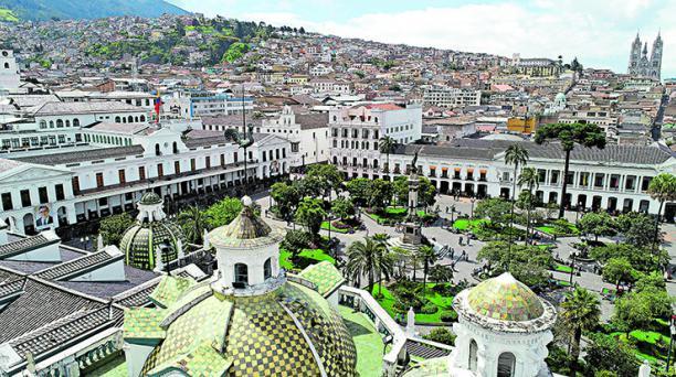 La Plaza Grande, el poder temporal y eclesiástico, juntos. Foto: Vicente Costales /  EL COMERCIO