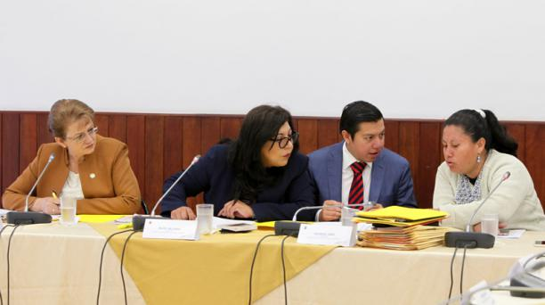 La Comisión Aampetra en la presentación de un informe el pasado 15 de marzo del 2018. Foto: Julio Estrella / EL COMERCIO