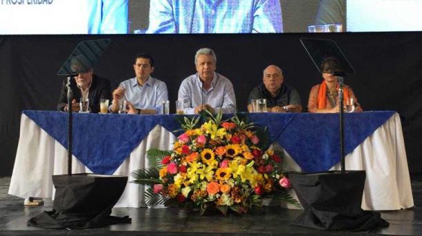 En el programa Construimos, Empleo y Prosperidad, en Guayas, el presidente Lenín Moreno anunció la entrega de nuevos crédito al sector de la construcción. Foto: Cortesía Secom