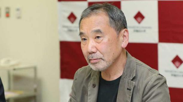 La entrega de los pases para el conversatorio del escritor japonés Haruki Murakami se inició a las 09:00 de este 6 de noviembre del 2018. Foto: AFP.