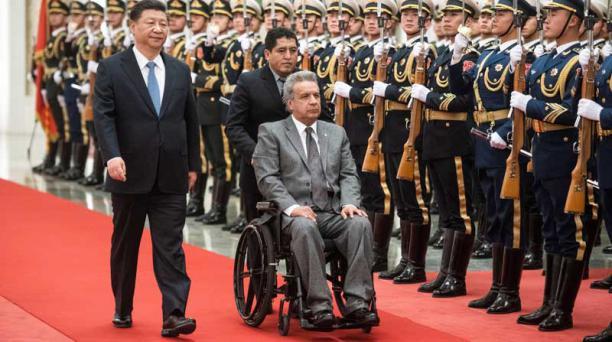 El presidente de Ecuador, Lenin Moreno (i), se reúne con el presidente chino, Xi Jinping (d), en el Gran Palacio del Pueblo en Pekín (China) hoy, 12 de septiembre de 2018. Foto: EFE
