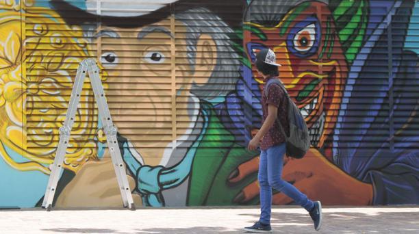 La Bota está en el extremo oeste de la 9 de Octubre. El complejo tiene 6 000 metros cuadrados. Foto: Mario Faustos/ EL COMERCIO.