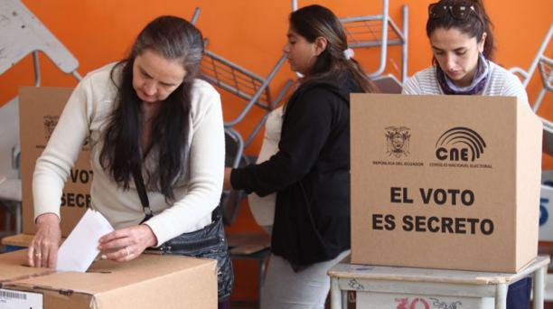 En las elecciones del domingo 24 de marzo del 2019 se votó con seis papeletas en la zona urbana. Foto: EL COMERCIO