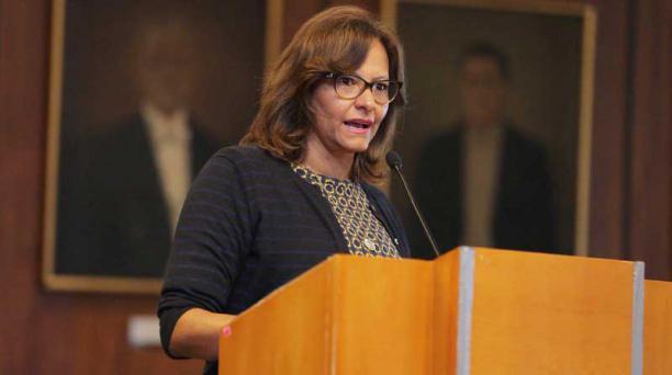 La presidenta de la Asamblea, Elizabeth Cabezas, será investigada por una Comisión por supuestamente obstruir la fiscalización en el Legislativo. Foto: Twitter Asamblea
