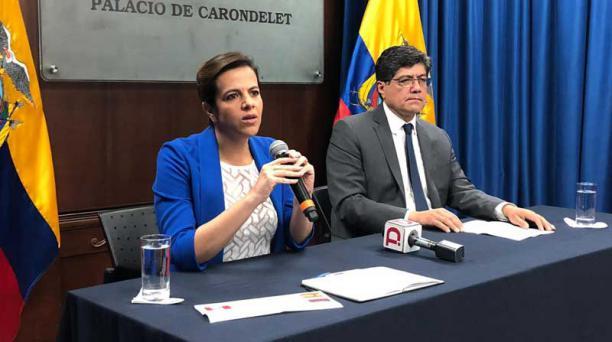 La ministra del Interior, María Paula Romo, junto al canciller, José Valencia, hablaron este 11 de abril del 2019 sobre la decisión de Ecuador de retirar el asilo a Julian Assange. Foto: Galo Paguay/ EL COMERCIO
