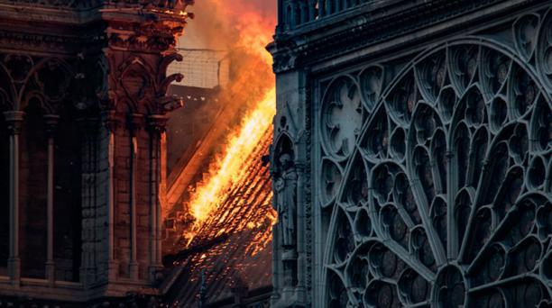 Notre Dame sirvió de inspiración para Victor Hugo, quien publicó su libro 'Notre Dame de París', en 1831. Foto: AFP