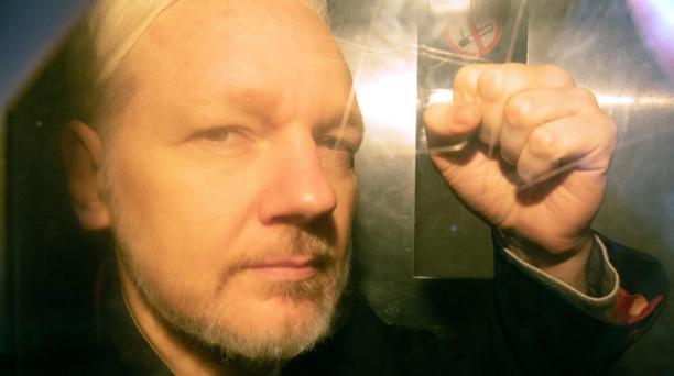 El fundador de WikiLeaks, Julian Assange, a su llegada a la corte en Londres el 1 de mayo de 2019. Foto: AFP