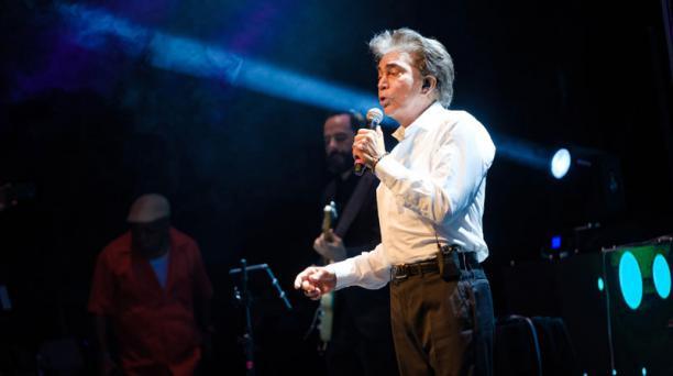 El Puma Rodríguez ofreció la noche de este 11 de mayo del 2019 su primer concierto tras haberse sometido a un doble trasplante de pulmón. Foto: EFE.