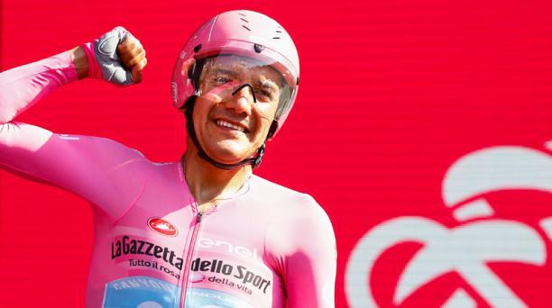 Richard Carapaz, del Movistar Team, festeja el triunfo en el Giro de Italia. Foto: AFP