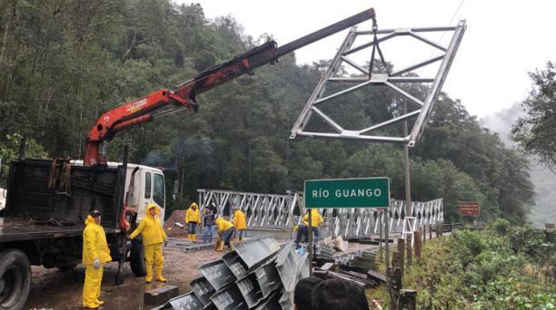 Este domingo 23 de junio del 2019 se realiza la instalación de un puente bailey para habilitar el paso de la vía Papallacta-Baeza. Foto: Diego Pallero / EL COMERCIO