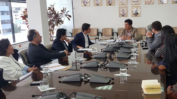 El miércoles pasado, el alcalde Jorge Yunda recibió al Cabildo Cívico de Quito en las instalaciones de la Epmaps.