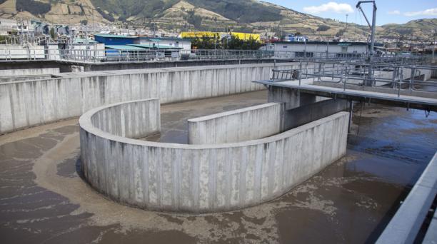 La planta de Quitumbe forma parte del programa de descontaminación de los ríos. Foto: Armando Prado/ EL COMERCIO
