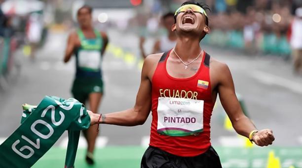 El ecuatoriano Brian Pintado alcanzó el oro en los 20 kilómetros marcha. El azuayo tiene la marca base para competir en los Olímpicos de Tokio. EFE