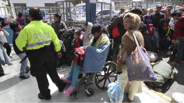 Las personas con discapacidad reciben atenciones prioritarias en Rumichaca. Foto: Álvaro Pineda para EL COMERCIO
