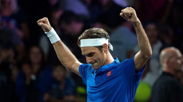 La leyenda del tenis Roger Federer festeja tras ganar la Copa Laver el 22 de septiembre del 2019. Foto: AFP