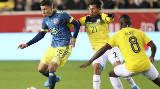 Ecuador y Colombia juegan un amistoso en el Red Bull Arena de Nueva Jersey el 19 de noviembre del 2019. Foto de la cuenta Twitter @FCFSeleccionCol