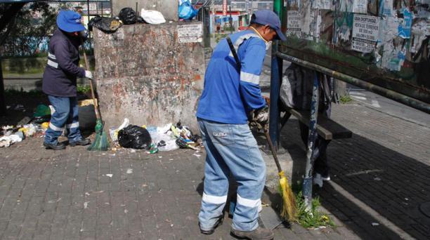 Los 200 trabajadores extras serán asignados a las diferentes administraciones zonales del Distrito Metropolitano. Foto: Eduardo Terán / EL COMERCIO